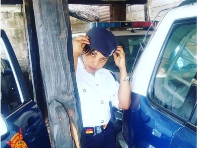 Meet the latest hot cop that has left Kenyans excited because of her beauty (photos)