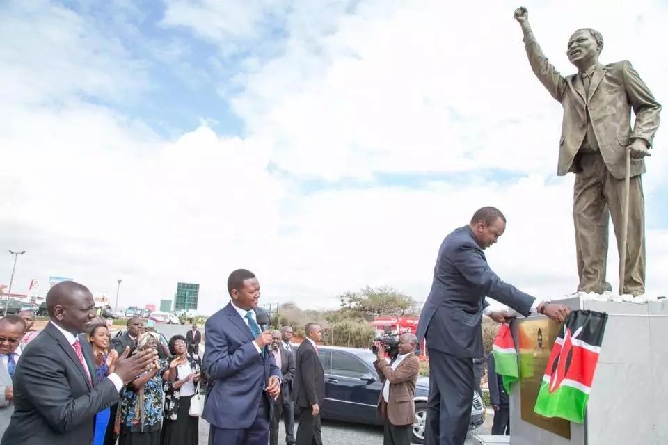 Uhuru Kenyatta conned KSh 800,000 , details