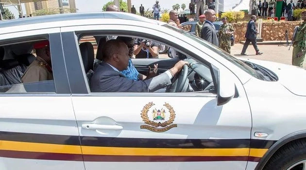 Get off our roads, let traffic police work - Uhuru tells NTSA
