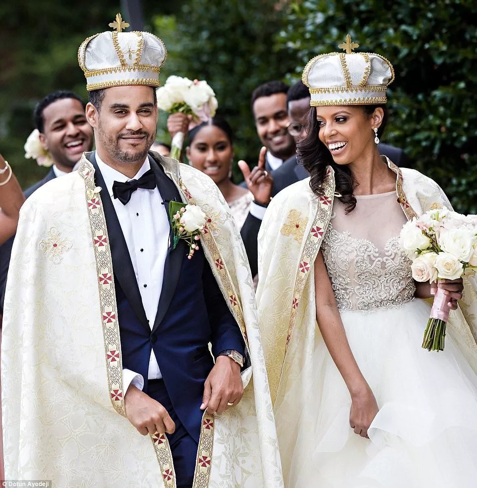 They wore crowns and looked like royals. Photo: Dotun Ayodeji