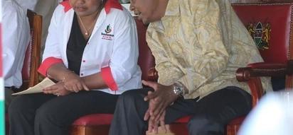 Hivi ndivyo wakaazi wa Kirinyaga walivyomtusi Ann Waiguru mbele ya Uhuru Kenyatta