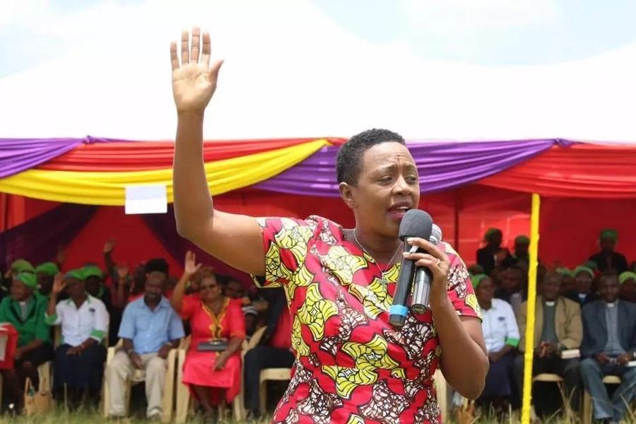 Uliza mamako! Sabina Chege amkaripia mfuasi wake aliyemuuliza swali tata kumhusu 'Richard Chacha'
