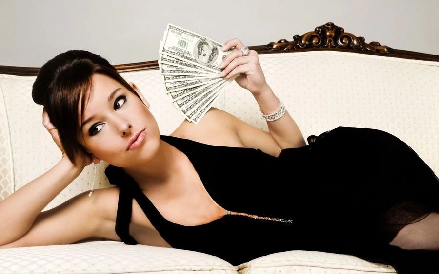 These 10 signs show if the girl is dating you for money!