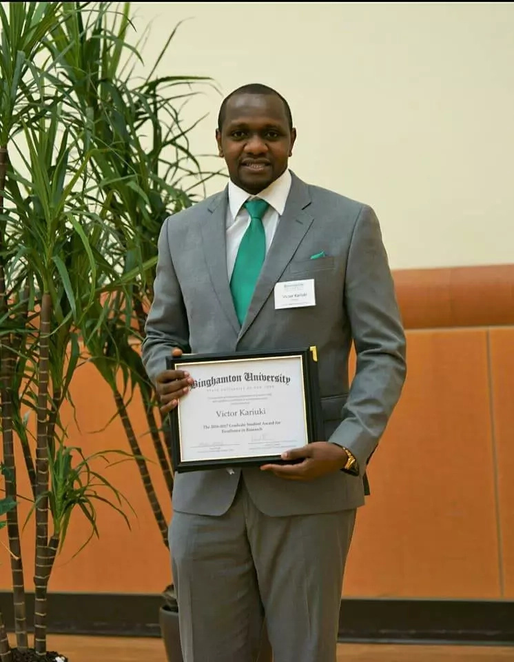 Kenyan student in US university wins PRESTIGIOUS science award (photos)