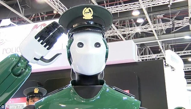 Fiction becomes reality! ROBOCOP will fight crime in the streets of Dubai (photos, video)