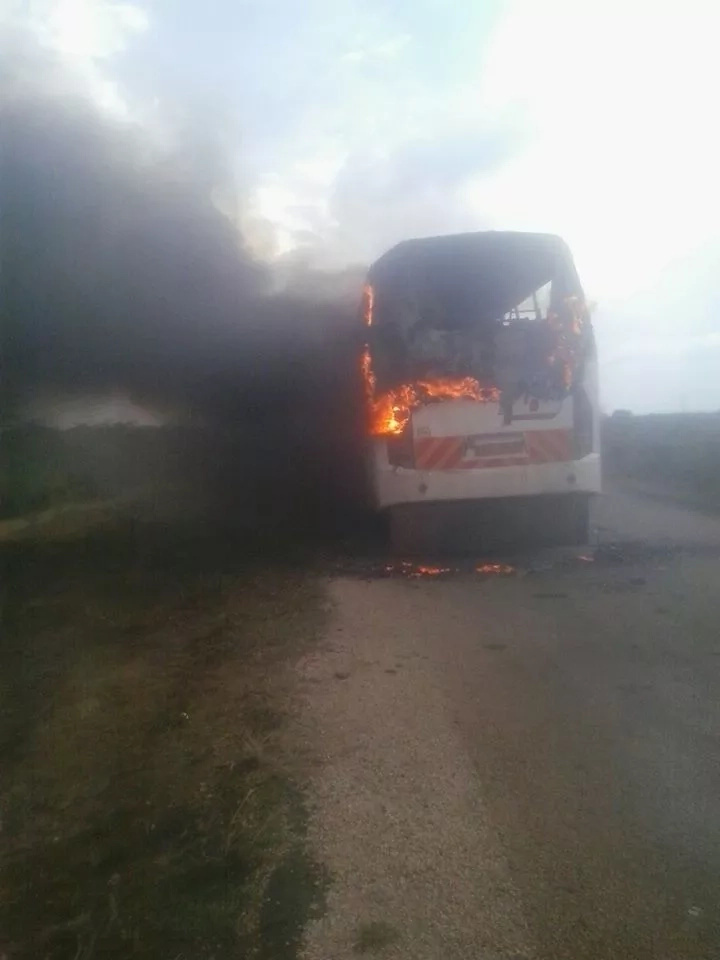 Passengers escaped death as Lamu bus catches fire and burns to ahes