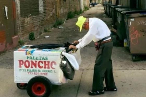 El vendedor callejero de 89 años que se volvió millonario gracias a un benefactor