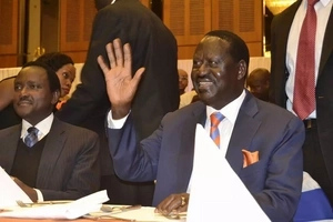 Raila Odinga spends quality time with 'braless' Lupita Nyong'o in Kampala, Uganda (photo)