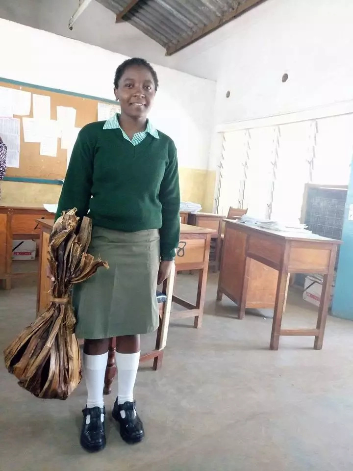Meru student's use of dried banana leaves to carry shopping to school attracts well-wishers