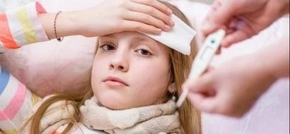 Bajarle la fiebre a tu hijo sin medicamentos es tan fácil que parece mentira! Mira cómo se hace!