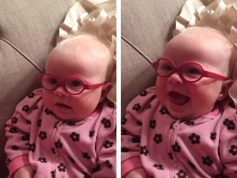 Este bebé no puede dejar de sonreír cuando le ponen lentes por primera vez