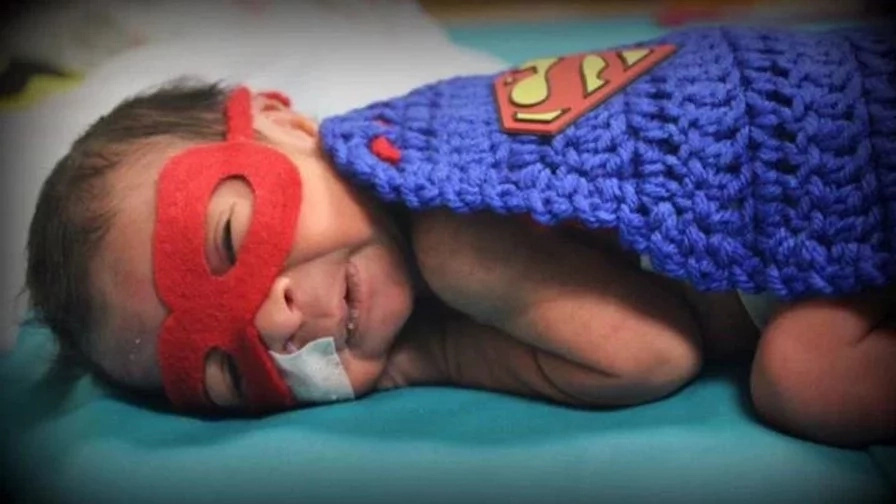 Nurse Dresses Her Baby Patients as Superheroes for Halloween (7+ Pics)
