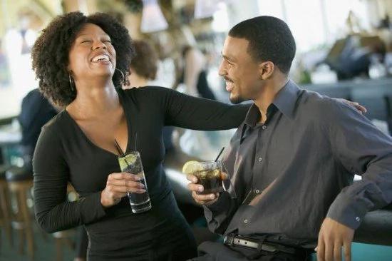 Mpenzi ya uongo: Hizi hapa ishara 10 za kumnasa mwanamume mkora