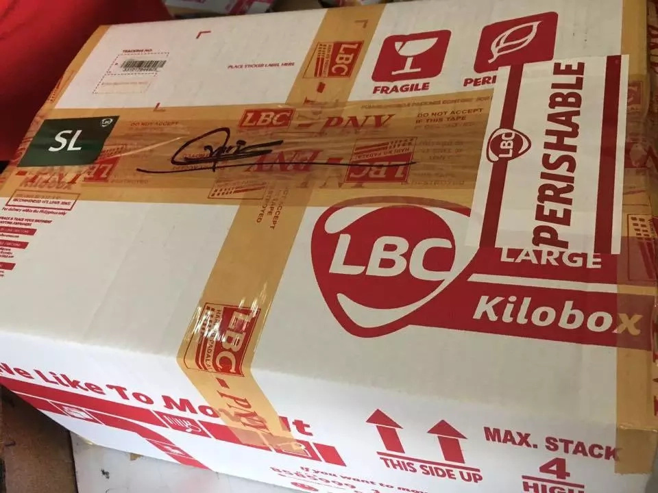 Netizen alleges LBC Robinsons-Iloilo stole from her package