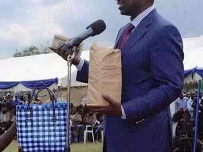 Hivi ndivyo Ruto atafanyiwa akipatikana akipeana pesa katika Harambee