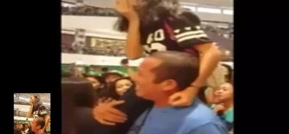 This father carried her daughter to see Kathryn Bernardo during a mall show...what a very inspiring moment!