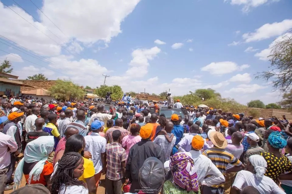 Massive crowd welcomes NASA in Uhuru Kenyatta's stronghold (photos)