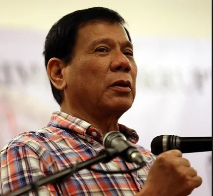 Duterte to implement nationwide smoking ban