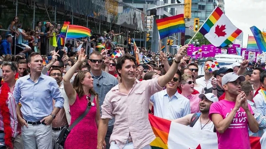Justin Trudeau: First Canadian PM to attend gay parade