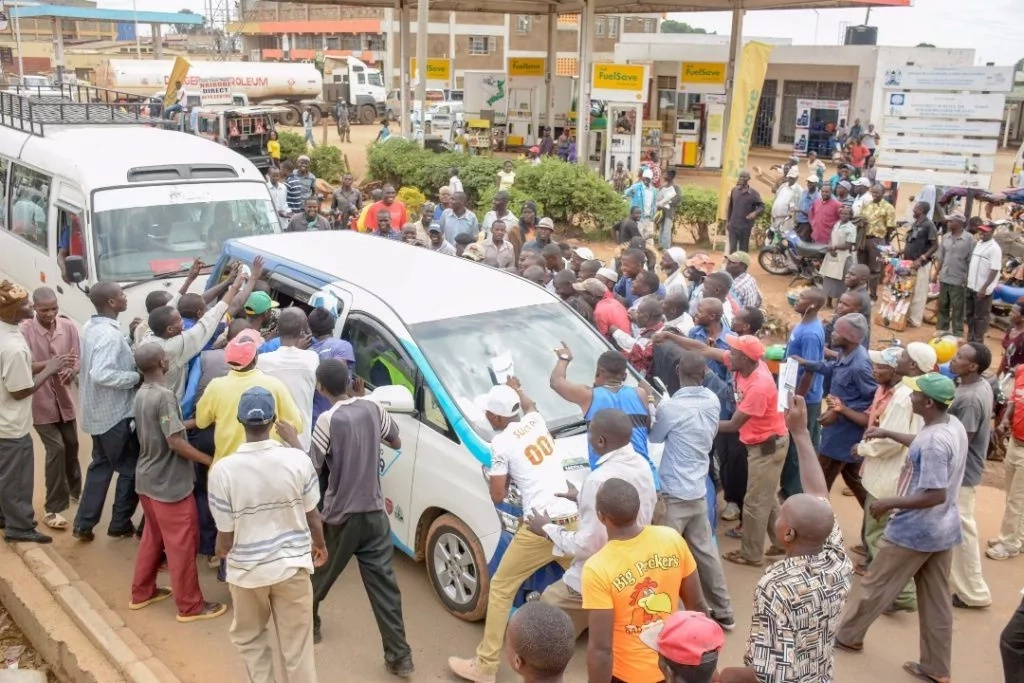 Kakamega goes crazy after 221 MILION Jackpot winner arrives(photos)