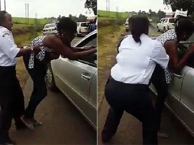 Makabiliano kati ya polisi na mwanamke raia yawaacha Wakenya vinywa wazi-Video