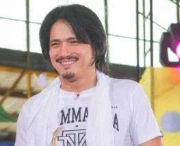 Robin Padilla ends exclusive contract