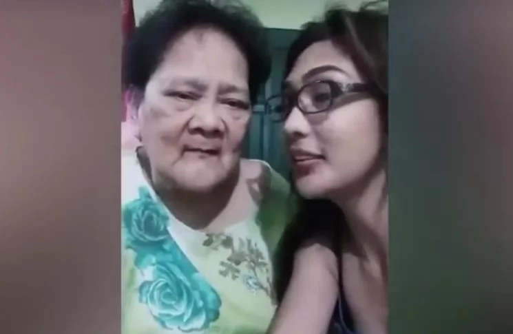 Hilarious Lola sings Ritemed's jingle but...