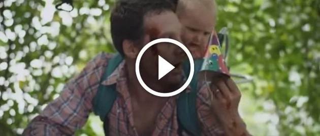 Mira a este padre tratando de proteger a su hija del apocalipsis zombie