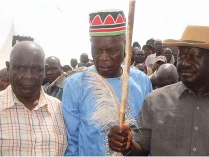Raila puts an end to leadership wrangles within Luo Council of elders