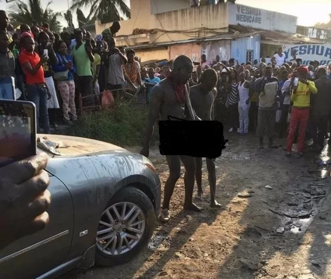 Mombasa witchdoctor in chilling ritual cleansing of busted car thieves (video)