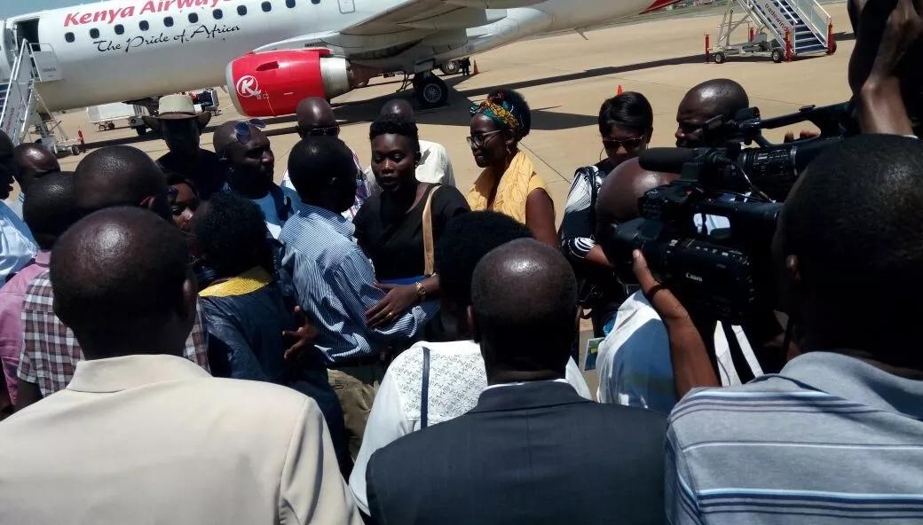 Mwili wa marehemu meneja wa IEBC aliyeuwawa, Chris Msando yawasili Kisumu(picha)