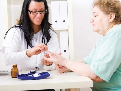 Paciente con diabetes ya no necesita inyectarse más insulina - está libre de la enfermedad