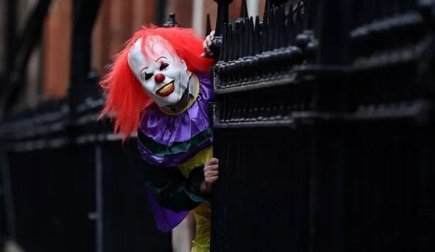 BREAKING Creepy Clown Tries To SNATCH 3 Month Old Baby
