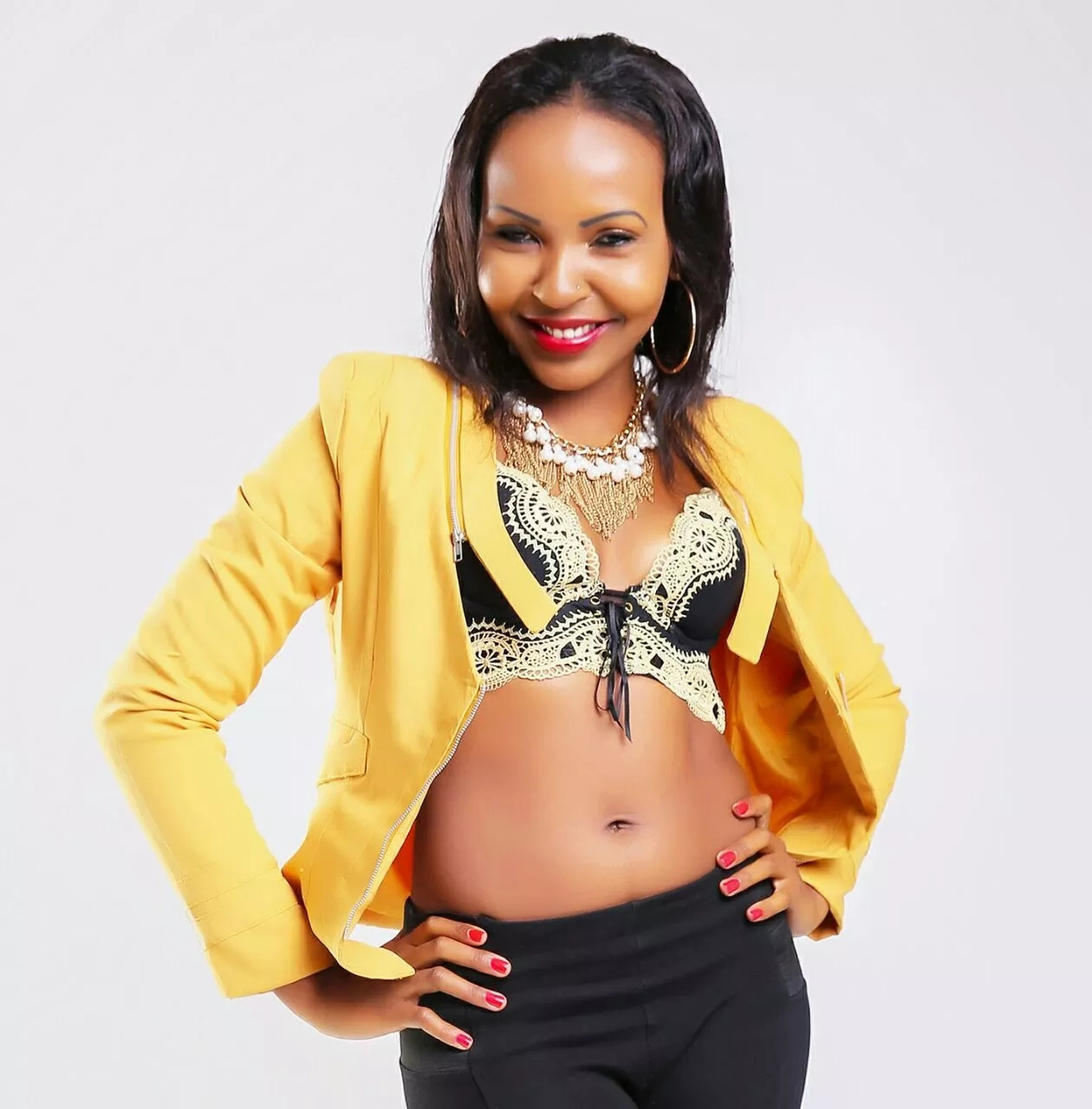 Kenyan TV girl has posted these spicy photos on the internet and everyone is going crazy