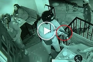Terrifying Pinoy hold-uppers caught on CCTV robbing customers at restaurant in Makati City