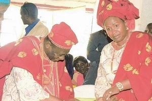 Tazama mavazi ya kipekee ya Raila Odinga katika mazishi ya mumewe Wavinya Ndeti