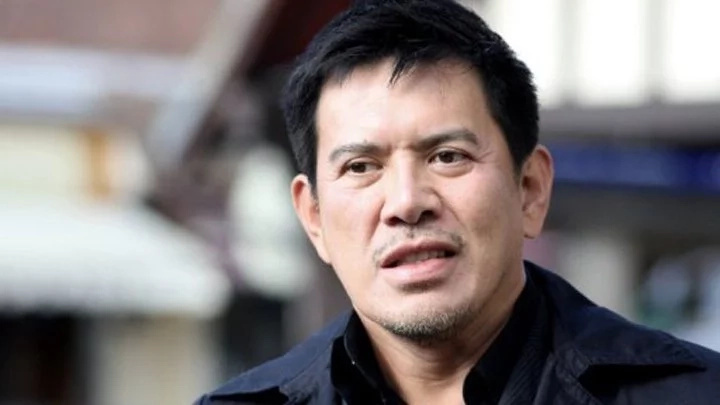 Brillante Mendoza made many people dizzy during SONA