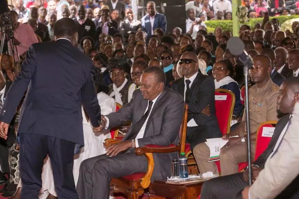Baada ya Raila na Uhuru Kenyatta kukutana ana kwa ana Wakenya wana haya ya kusema
