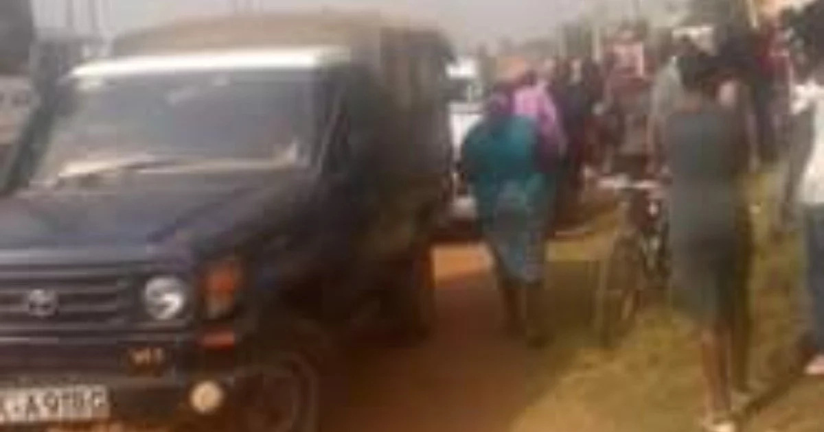 Drama in Bungoma as police intercept hearse carrying body of former chief