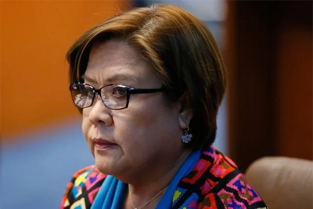 De Lima tags Congress inquiry as 'public hanging'