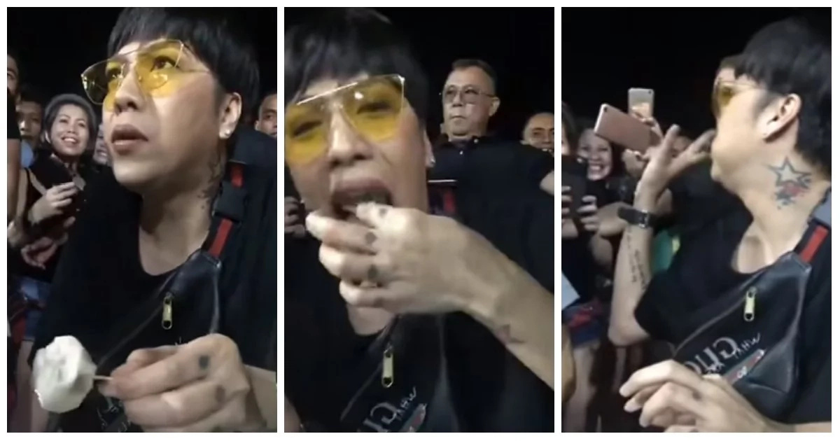 Panuorin! Vice Ganda eats street food siomai in the streets without a bodyguard