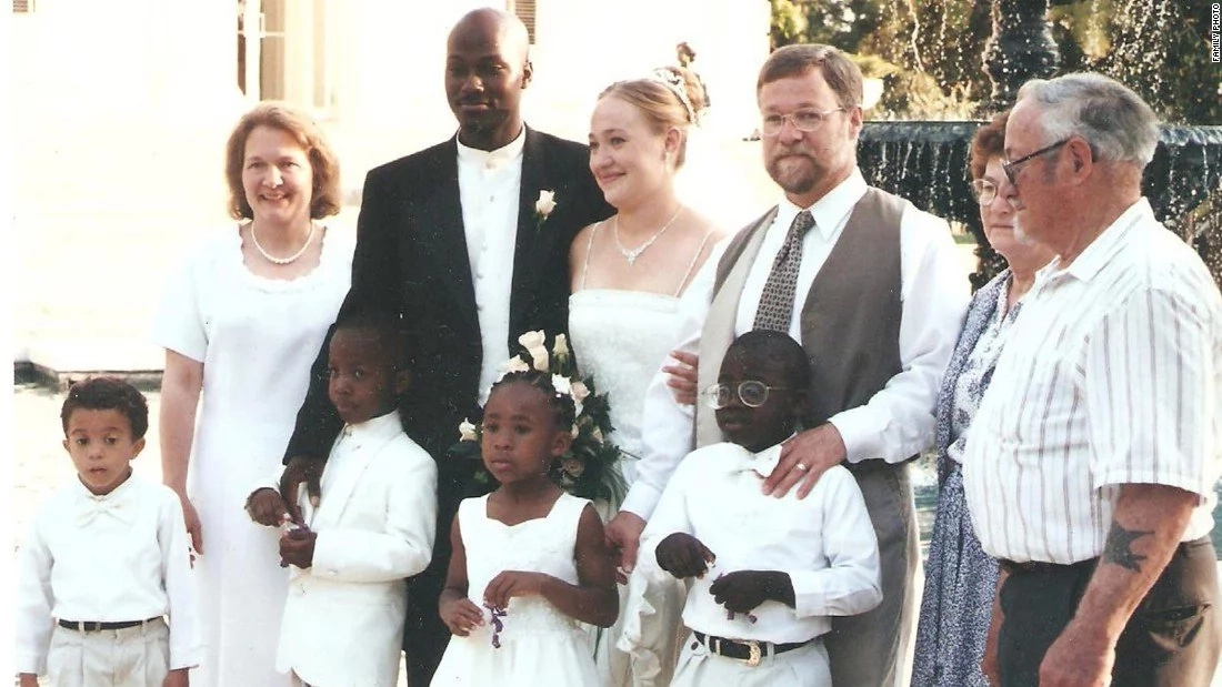 """I was """"too black"""" for my African American husband - white lady who identifies herself as BLACK speaks"""