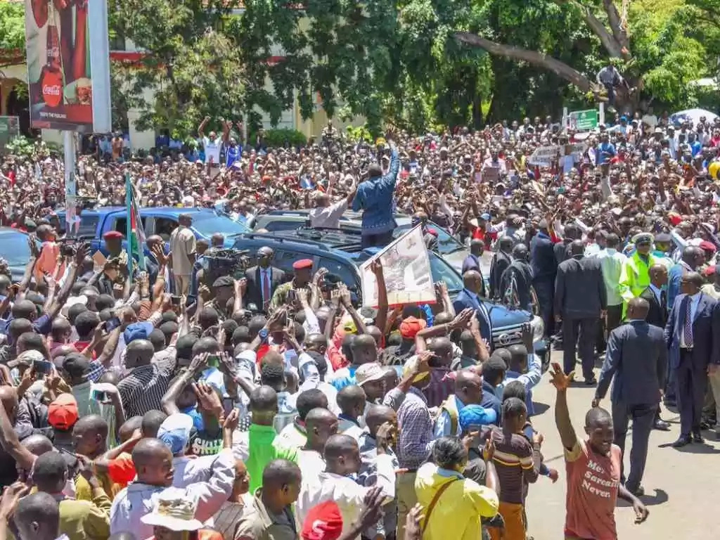 Uhuru to take the fight to Raila's home turf of Siaya, but he has been warned...