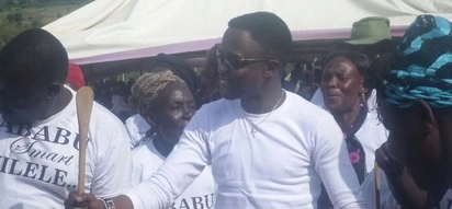 AFC Leopards fans compose a song against Ababu Namwamba and its hilarious (video)
