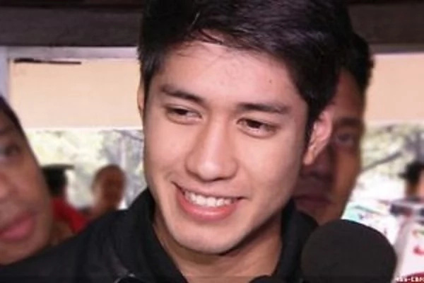 "Aljur Abrenica spotted in ABS-CBN compound, ignites speculations of jumping fence: ""Kapamilya na ba siya?"""