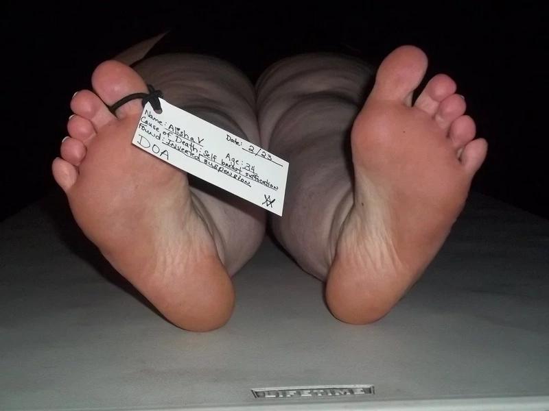 Cadáveres saturan morgue de México