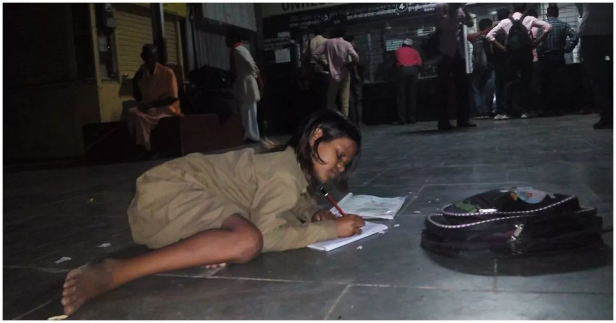 You won't what this young girl does at the train station every night (photo)