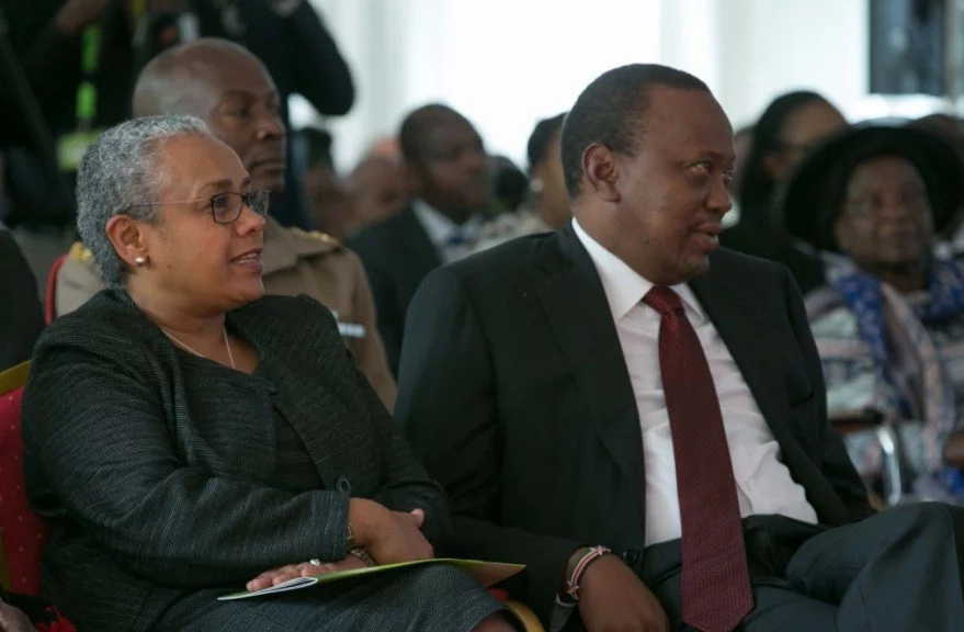 Uhuru attends burial of relative who died at Nairobi hospital