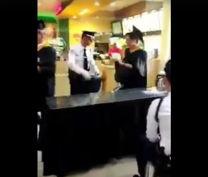 Funny video of graduating students made netizens laugh