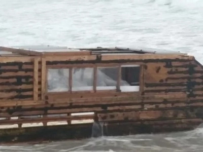 Newfoundlander-donated houseboat mysteriously sails across Atlantic Ocean unmanned